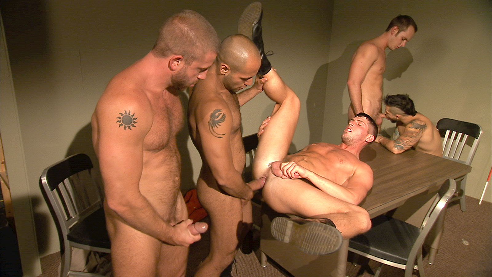 TitanMen Exclusive Hunter Marx with the Entire Cast - Inmates - Scene 5